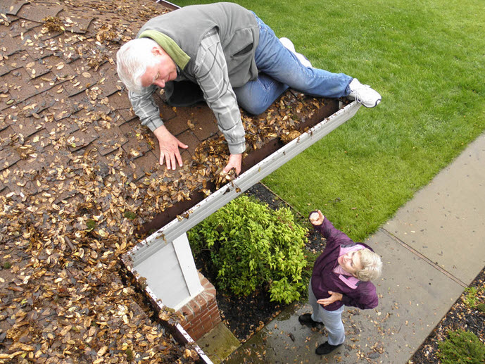 Should I Clean My Own Gutters?